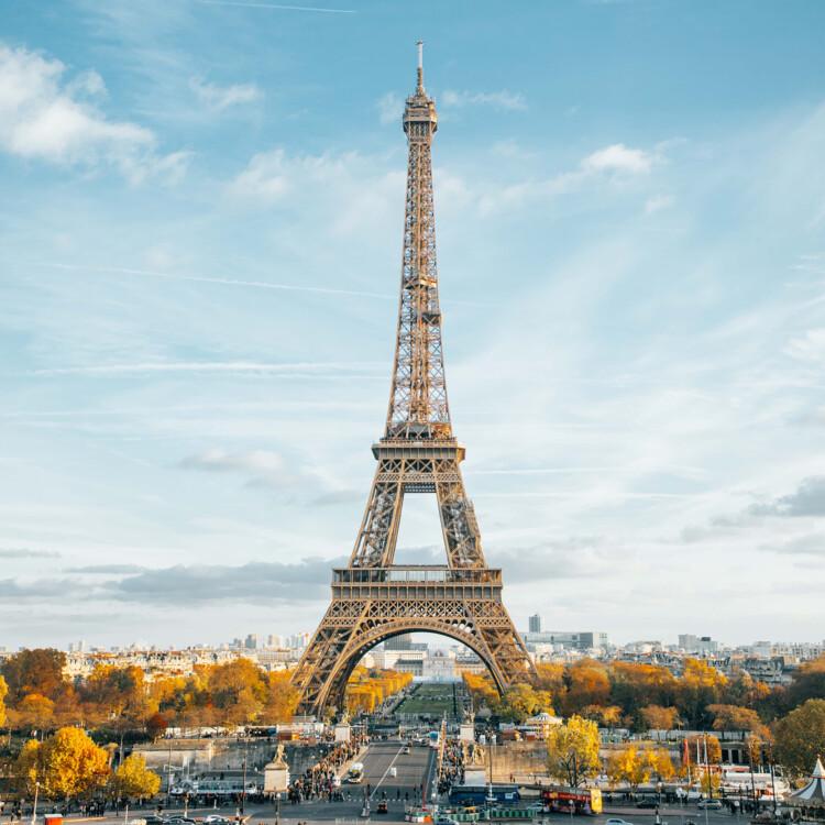 De Eiffeltoren beklimmen in Parijs