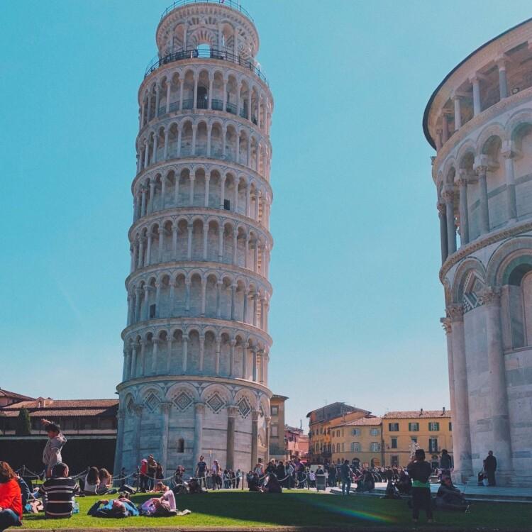 De Toren van Pisa beklimmen